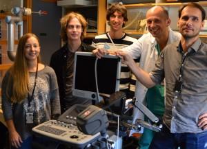 Dette er teamet bak den nye ultralydteknologien: Janne Beate Bakeng, Erik Smistad, Daniel Høyer Iversan, Kaj F. Johansen, og Frank Lindseth. Foto: Kathinka Høyden.