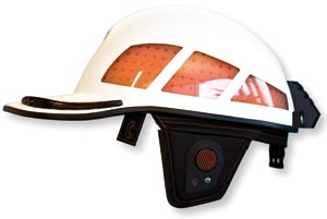 This helmet is lined on the inside with a material with a normal condition that is soft and flexible. However, the material locks instantly and becomes hard and shock-absorbent the second it receives a blow or impact. Photo: SINTEF Health Research